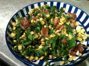 Kale salad with corn and bacon